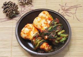김치 익기 전까지 먹는 알타리김치, 총각무김치