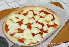 토마토소스 까망베르 피자 만들기