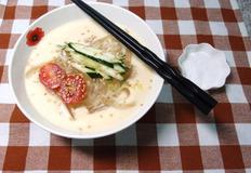 우무콩국수 - 담백한 맛의 우무 콩국수