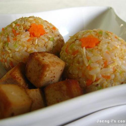 닭가슴살 큐브참치 주먹밥