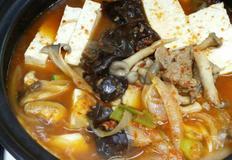 버섯 매운탕, 각종 버섯에 소고기 넣은 매콤한 탕