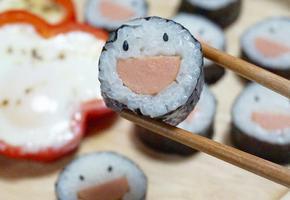 [소풍] 보는 순간 기분좋고, 먹어보면 맛이 좋은 스마일김밥