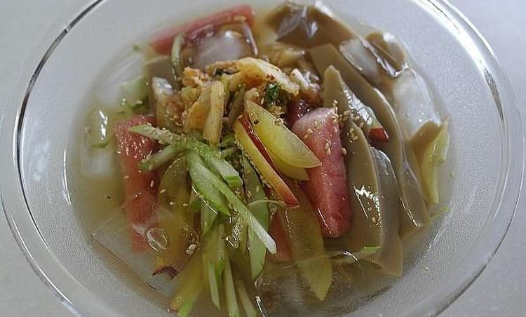 김치과일도토리묵밥