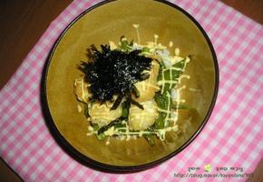 고소한 맛이 매력적인 메추리알 마요덮밥
