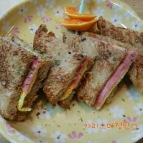 간단호밀빵 에그햄 샌드위치