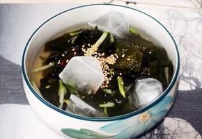 #맛간장으로 맛을 낸 시원한 미역냉국만들기