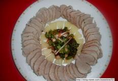 상추겉절이와 먹는 연잎 돼지고기 안심보쌈