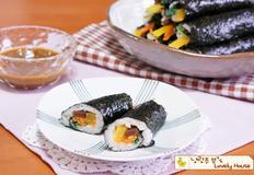 꼬마김밥(마약김밥) with 톡쏘는 겨자소스