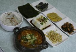 국민반찬 두부와 콩나물로 차린 맛있는 식탁