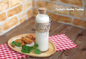 홈메이드 아몬드 우유