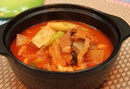 아주 맛있는 김치찌개 끓이기