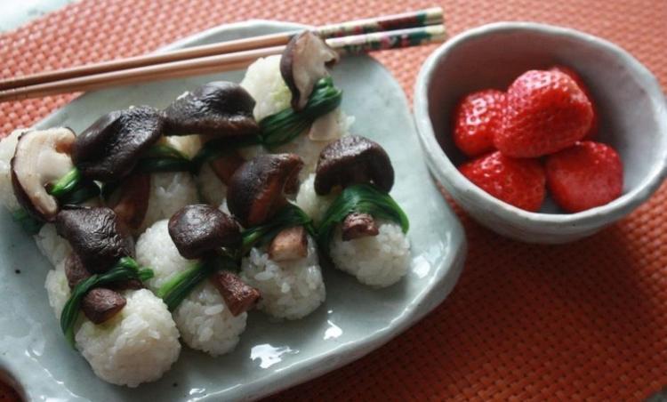초밥이 생각날 땐? 영양 듬뿍 버섯 초밥 만들기.