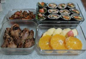 봄 도시락 만들기 - 김밥, 닭다리 구이, 두릅 초무침