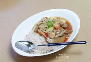 아침메뉴로도 좋은 한그릇 요리! 해물버섯덮밥