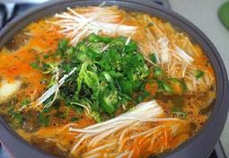 봄철음식:바지락 냉이된장찌개 끓이는법