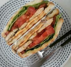 바질페스토 치킨 샌드위치