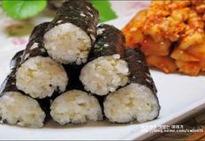 깔끔한 맛이 일품인 건강현미밥 요리! 충무김밥