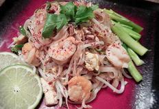 """집에서도 즐기는 태국식 쌀국수 볶음 """"팟타이"""""""