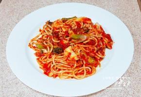 매콤한 토마토 파스타 만들기 아라비따 채소 토마소소스 스파게티 만드는 방법