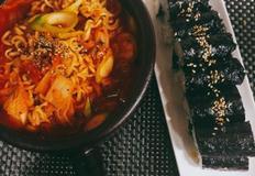 백종원 김치 라면 ,, 얼큰한 라면과 김밥의 콜라보~
