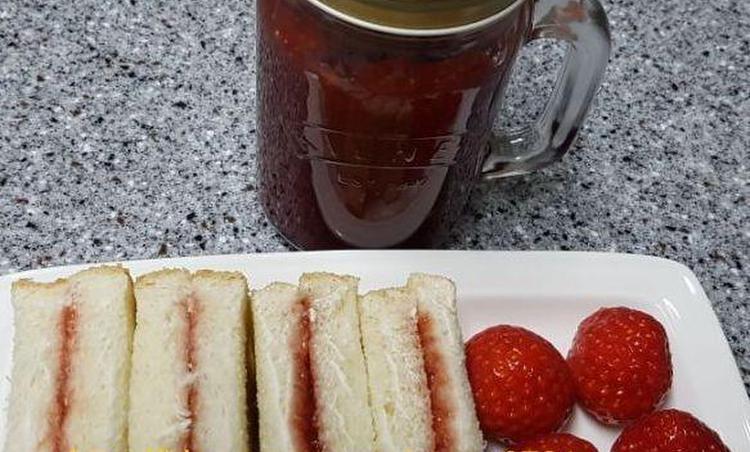 제철과일 딸기로 딸기쨈 만들어보세요