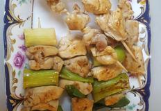 닭꼬치를 집에서 만들어 먹어보아요.