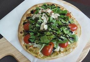 샐러드 또띠아 피자