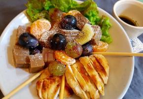 닭가슴구이 & 포도묵 샐러드