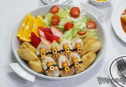 캐릭터 도시락 유부초밥 피크닉 도시락 문어 소세지