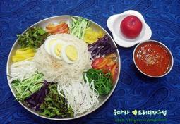 자두로 만든 여름별미 과일 비빔국수/자두 쟁반국수