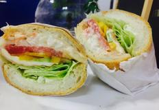 바게트 빵을 이용한 초간단 햄치즈 샌드위치