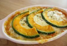 단호박요리 - 전자레인지로 만든 단호박 치즈 그라탱
