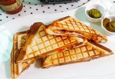 토마토 치즈 토스트