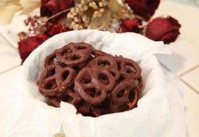 10분안으로 만드는 단짜단짜 초콜렛을 입은 프레즐만들기!!