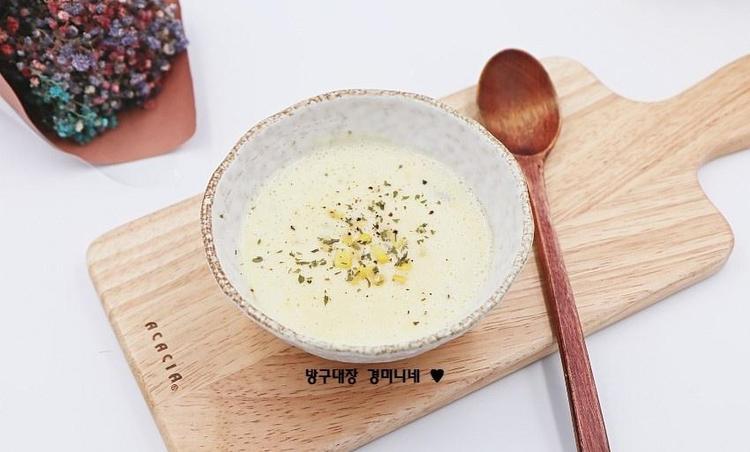 옥수수스프 만드는 법 : 다이어트와 아침식사대용으로 좋은 부드럽고 고소한 콘스프