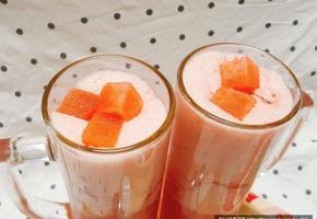 색다르게 수박으로 즐기는 '수박라떼' 만들기