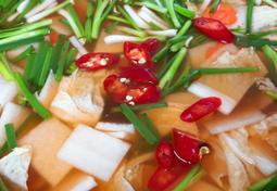 시원한 국물맛이 좋은 나박김치 담기.