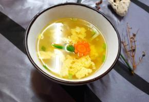 달걀탕, 깔끔한 국물 맛.
