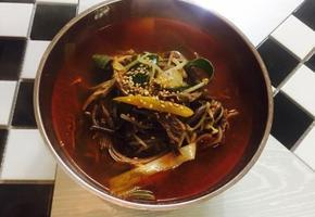 국물맛이 시원한 보양식 육개장끓이기