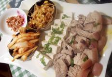 #돼지고기 냄새없이 간단하게 삶기 #저렴한 돼지앞다리살을 이용한 수육만들기