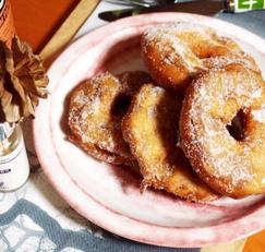 #사과요리 #도너츠가루를 이용한 #애플도너츠만들기 #간편하게 만드는 애플프리터!! 달콤하고 새콤한 브런치로 즐기자!