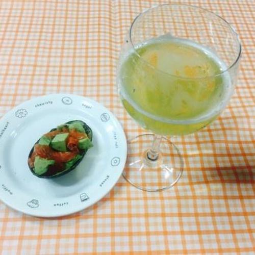 달콤하고 맛있는 포도봉봉맥주와 아보카도연어