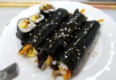 밥대신 으깬동태를 사용한 김밥(김동태)