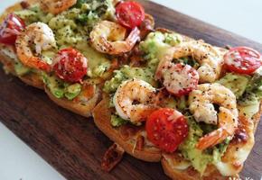 새우 아보카도 토스트(Shrimp Avocado Toast)