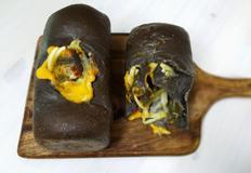 슈가마망의 오징어먹물식빵