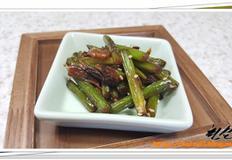 후다닥 반찬 만들기 - 짭쪼롬한 마늘종과 건새우의 식감이 조화를 이루는 '마늘종 건새우볶음'