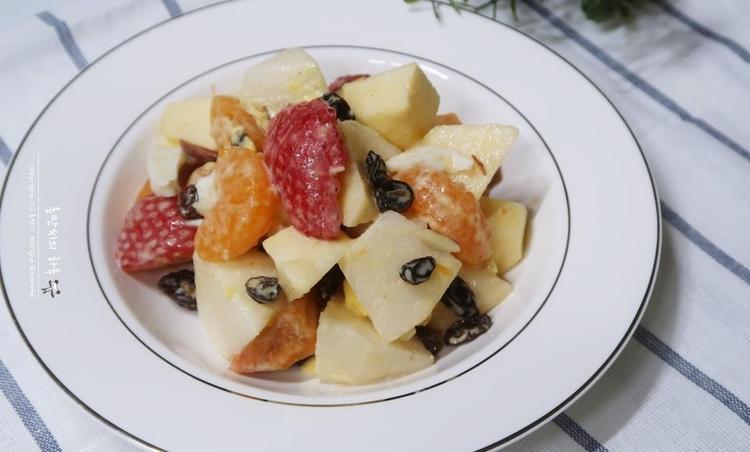 과일샐러드. 추억의 과일 사라다.