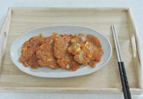윤식당은 저리가라. 칼칼한 오징어김치전 만들기.