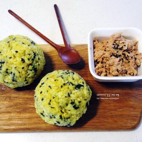 【인기메뉴】고소하고 입맛도는 김치 참치 샐러드 주먹밥 만들기!