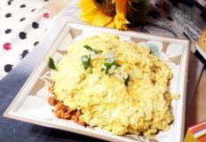 #윤식당 김치햄볶음밥만들기 #강식당오므라이의 달걀도 올려 주고~~ 부드러운 달걀과 함께